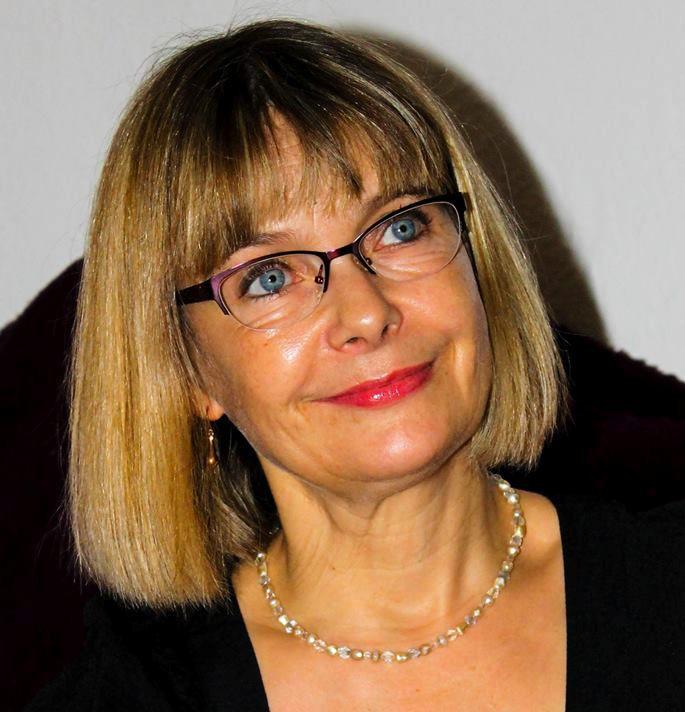 Esther Økær - Reikihealer.dk